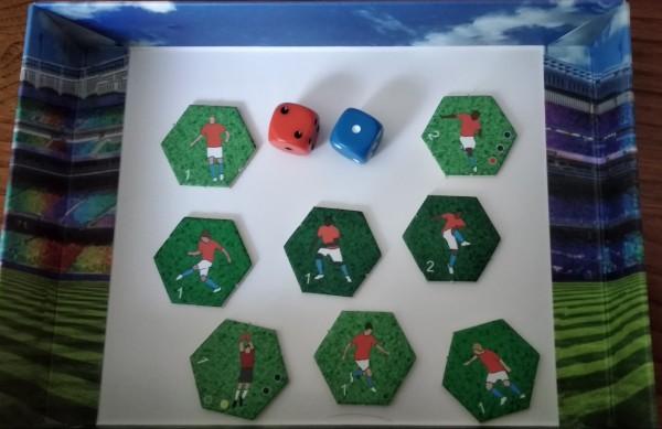 Una selezione di giocatori con i dadi