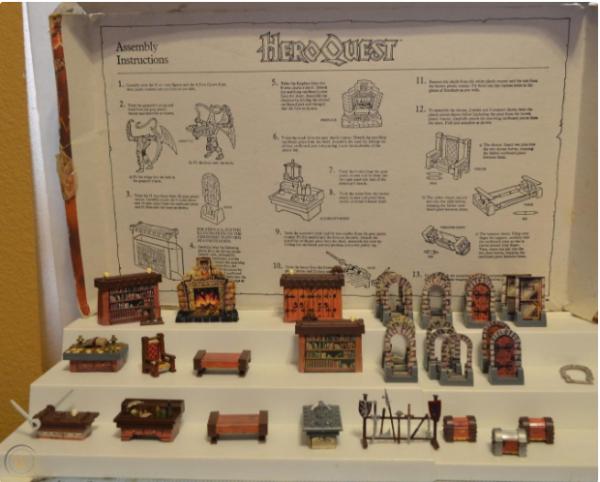 La mobilia originale e le istruzioni. (credi: httpsworthpoint.com)