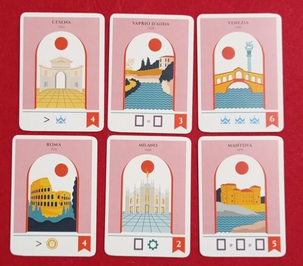Ogni carta Città riporta un obiettivo da raggiungere per fare punti a fine partita. Vengono scelti dai giocatori di volta in volta che usano le azioni, aggiungendosi alle precedenti