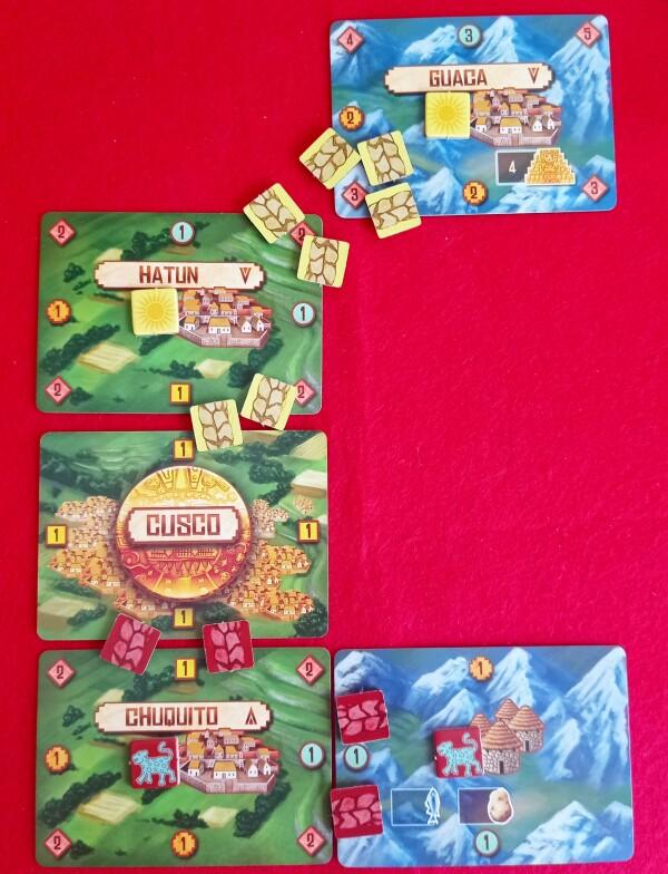 Un esempio costruito ad hoc per spiegare come si connettono Città e Cloca. Il colore e forma del quadratino suo bordi indica come le carte si possono legare tra loro, come in un puzzle o, meglio, in un domino