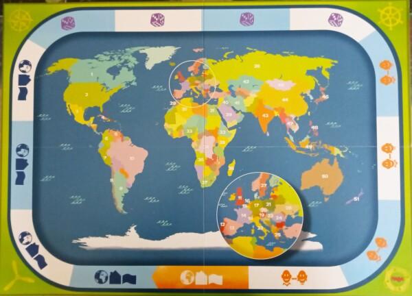"""Il tabellone-planisfero, con il tracciato come bordo. Non tutti i Paesi del Mondo sono """"giocabili"""""""