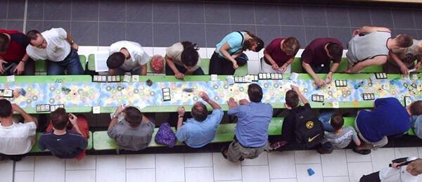 Un momento di un torneo di Catan, noto anche come Big Game (credit: catan.com)