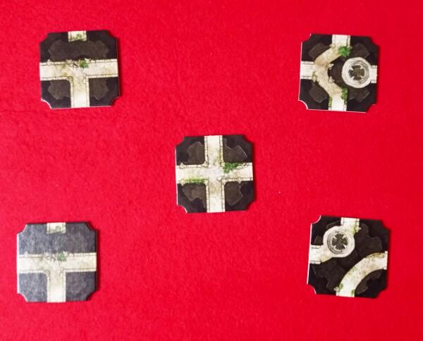 Le piastrelle si possono ruotare per comporre il percorso che collega l'entrata alla Reliquia
