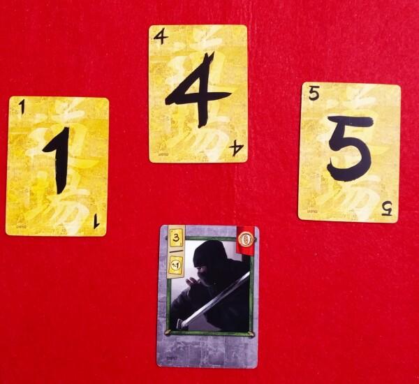 Parte del set di carte iniziali. Le carte Dojo sono semplici numeri