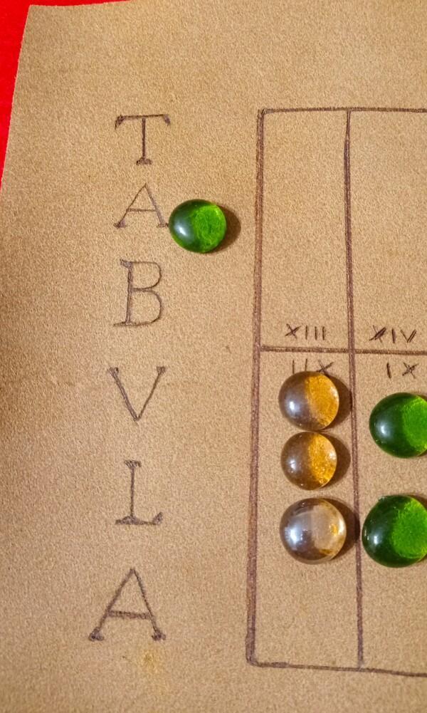 Una pedina cacciata. Nel prossimo turno il verde dovà come prima cosa inserire nel tabellone questa pedina.
