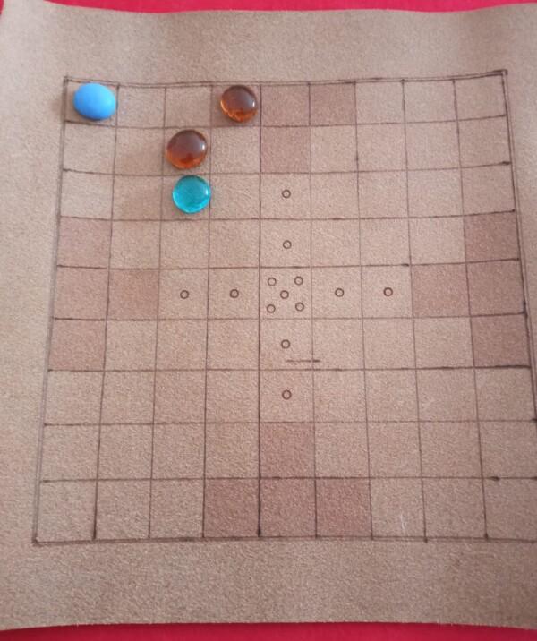 Il re ha raggiunto un angolo, in una situazione di gioco un po' inusuale. Gli Svedesi hanno vinto